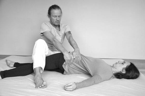 Spirit Yoga Aufbau-Ausbildung Wahlmodul Thai-Yoga Massage mit Kai Ribereau in Berlin